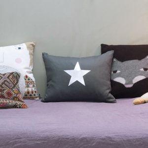 Coussin-decoration-etoile-par-velvet-chic
