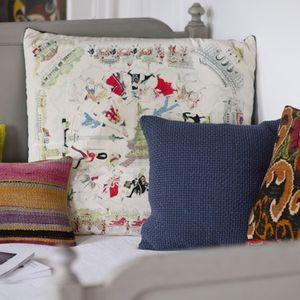 Coussin-decoration-london-scarf-par-covelli-tennant